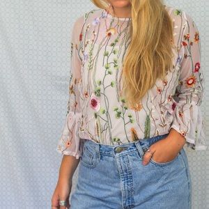Tops - Flower embroidered ruffle top